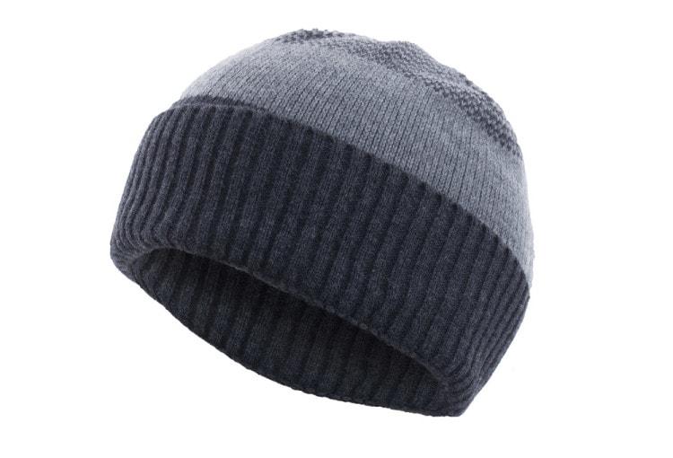 Мужская зимняя шапка с отворотом