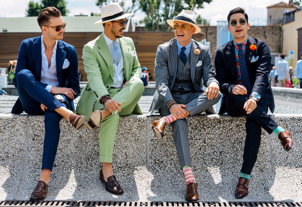 Варианты расцветок мужской одежды, актуальных для коричневой обуви