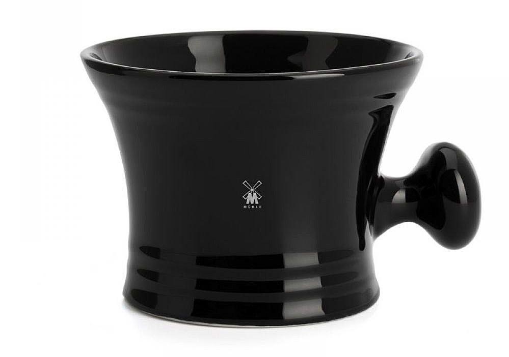 Чаша для бритья MUHLE из эффектного черного фарфора - практична, визуально привлекательна и долго сохраняет тепло