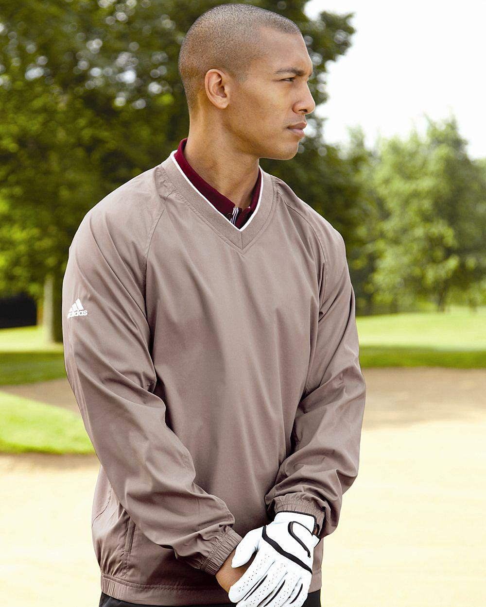 Пуловер или жилет – теплые составляющие для максимального комфорта во время игры в гольф