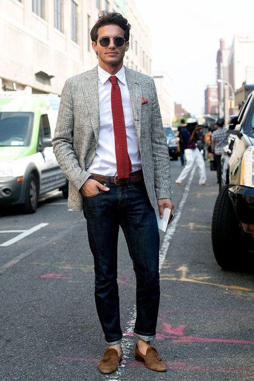 Актуальное для лета, необычное сочетание пиджака под джинсы с участием узкого галстука