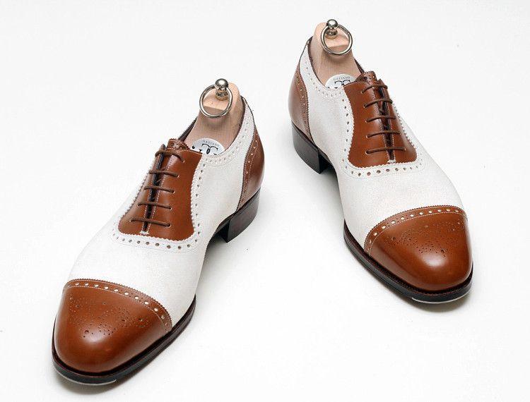 Двуцветные оксфорды (Spectator shoes) могут стать броским акцентом в уличном сете