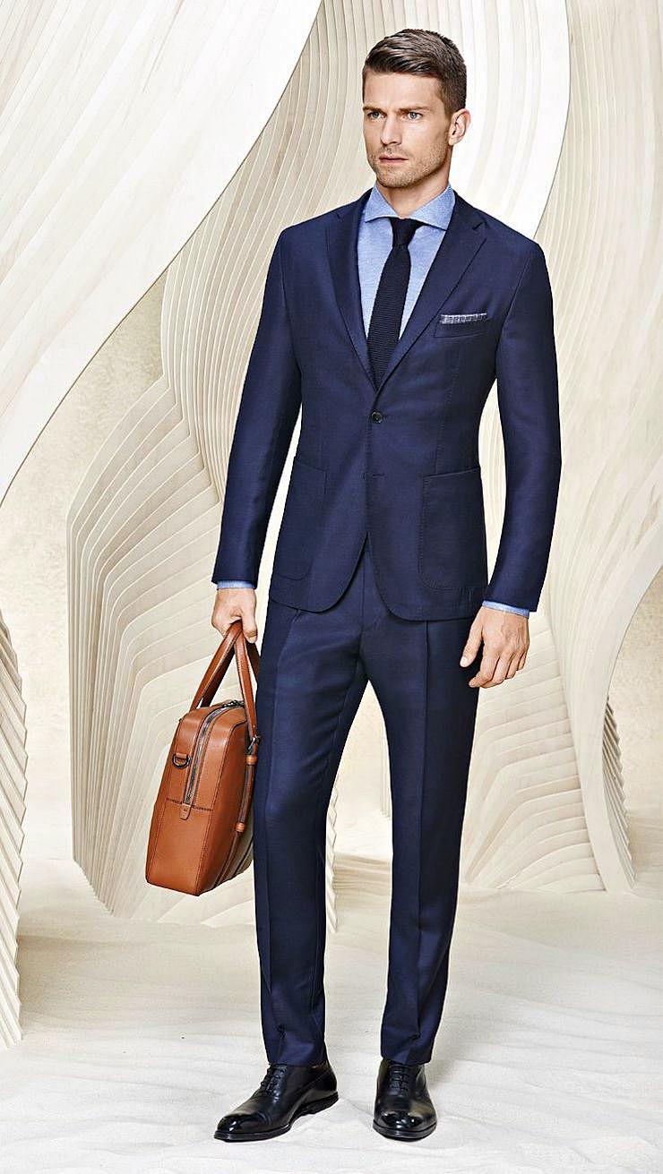 Классический костюм для мужчин линии BOSS темно-синего цвета
