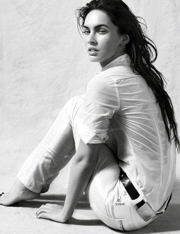 Меган Фокс в рекламной кампании Armani Jeans