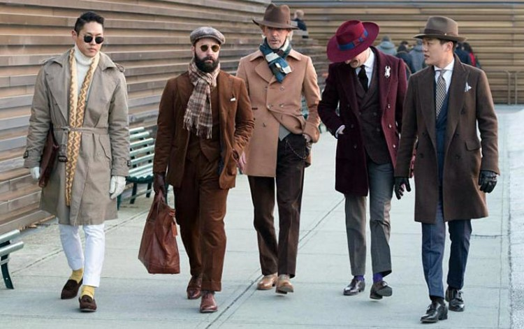 Верхняя мужская одежда модных расцветок