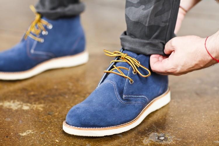 Замшевая обувь выглядит стильно и изысканно