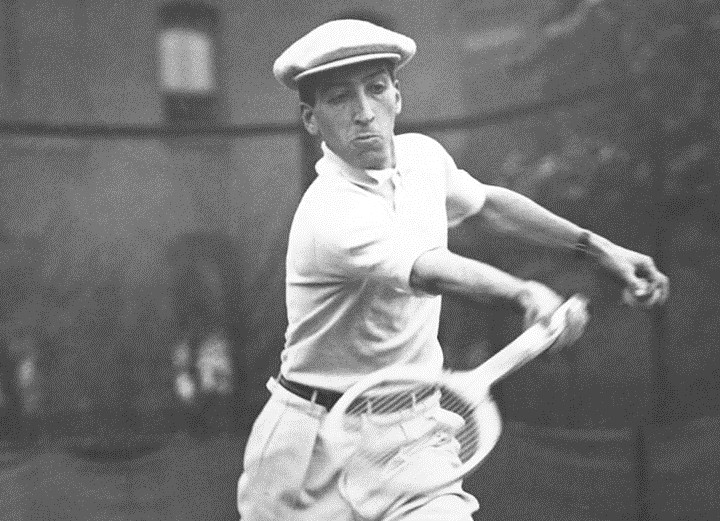 Главный претендент на звание изобретателя поло - теннисист Рене Лакост