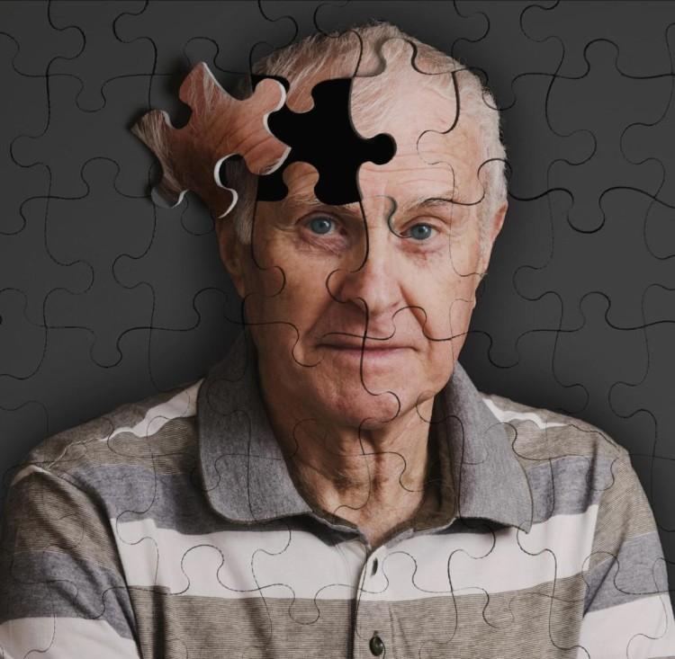 Мужская кожа стареет медленней женской, но после 50 изменения уже не скрыть