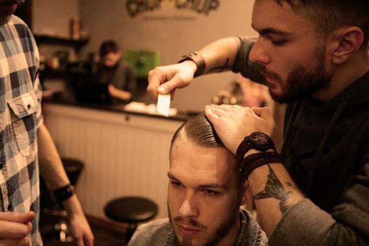При наличии родинок на голове ультракороткие стрижки не рекомендуются