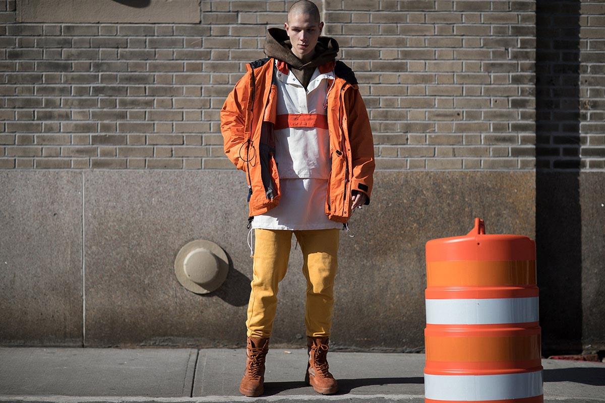 Оранжевые куртки подсознательно ассоциируются со стилями street и workwear