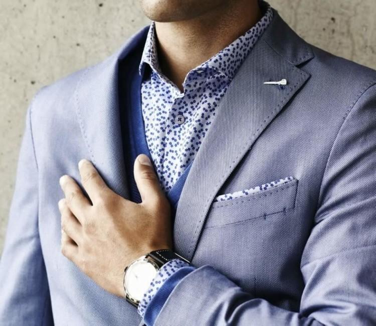Рисунок на рубашках, допустимых в деловом стиле, должен быть мелким